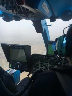 Wnętrze policyjnego helikoptera