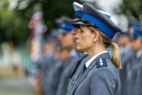 policjantka w mundurze