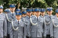 policjanci w mundurach